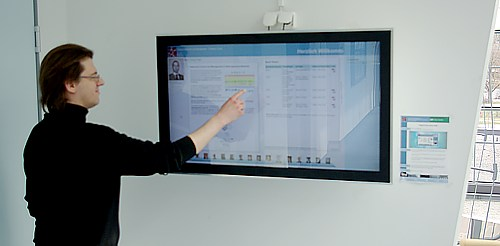 Andreas using the infoscreen touch...